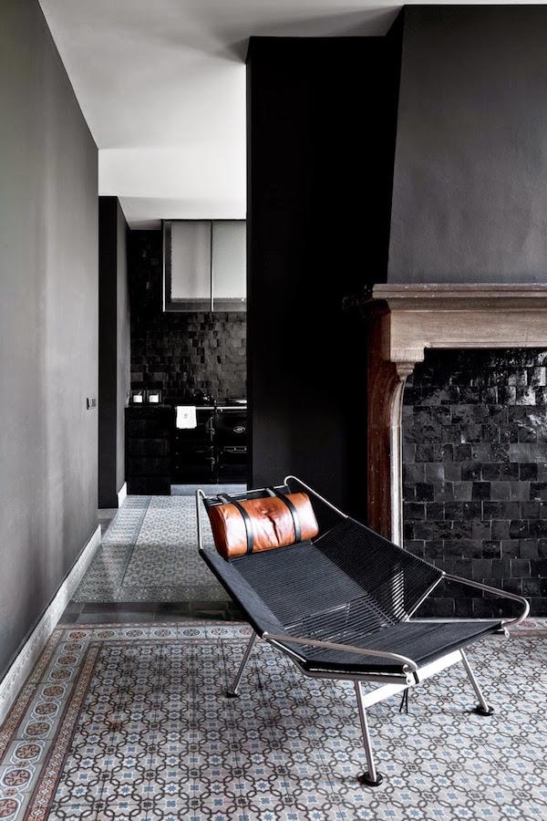 casa neagra 2
